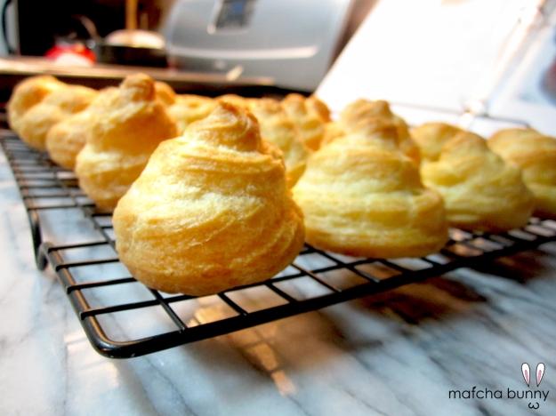 Pâte à choux (cream puffs)