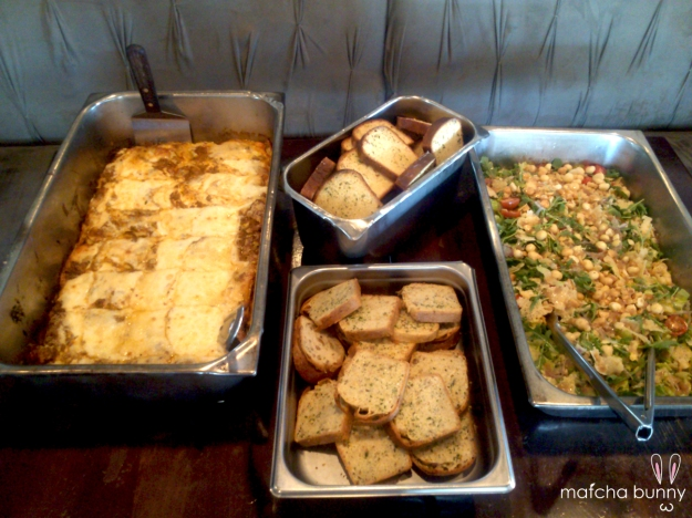 Friday Night Family Meal: Homemade Lasagna (with traditional Italian bolognese!), Garlic Bread, Salad